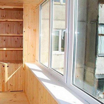 Теплое остекление балкона 2400*1400 оконный завод строй вект.